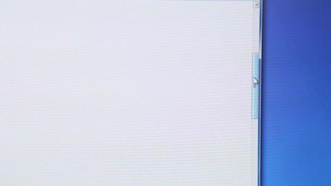 Cursor drag scrollbar up Live Action