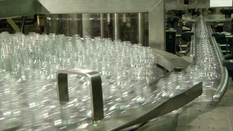 Conveyor with glass jars Live Action