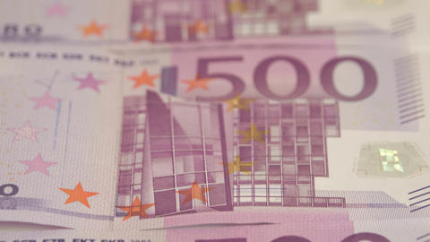 Closer view of the 500 Euro bill Live Action