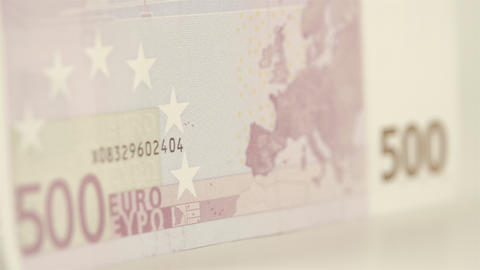 Side view of the 500 Euro bill Live Action