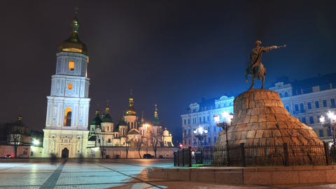 Monument to Bohdan Khmelnytsky in Kiev timelapse 4 Footage