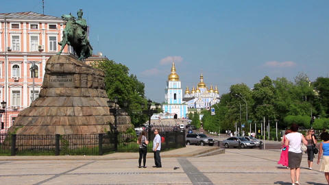 Monument To Bogdan Khmelnitsky On Sofiyskaya Square And Mikhailovsky Golden-Dome stock footage