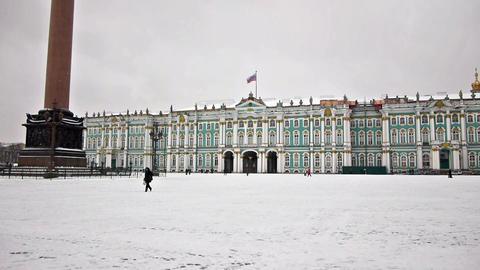Alexander Column on Dvortsovaya square, St. Peters Stock Video Footage