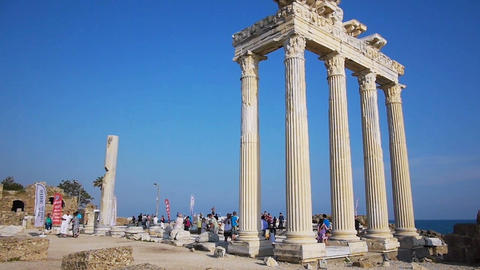 Crowd of tourists near the Temple of Apollo ruins Stock Video Footage