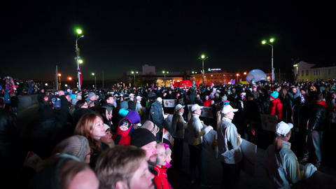 Frozen spectators of Sochi2014 Olympic torch relay Footage