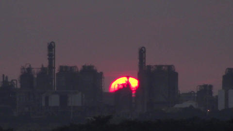 time lapse sunset and refinery Live Action