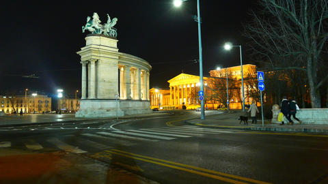 Traffic pass by at the Heroes Square in Budapest Live Action