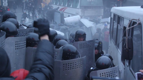 Crisis in Ukraine - waveing of the police bus! Footage