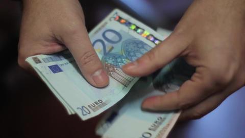 Money , Euros Live Action