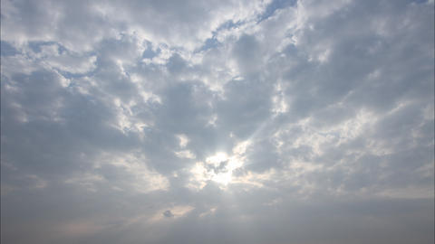 Sun ray and cloud time lapse ビデオ