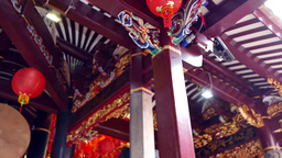4K UHD Video Of An Elaborate Ceiling Of Thian Hock Keng Taoist Temple, Singapore stock footage