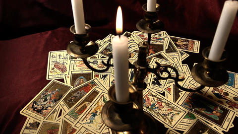 Foreteller Tarot Cards 17 Live Action