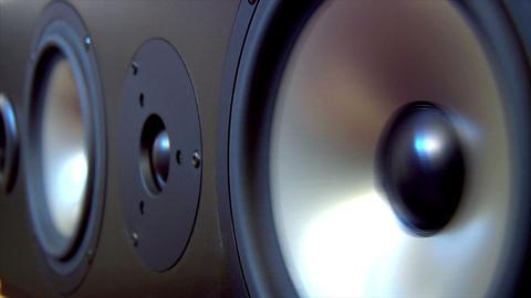 10623 speaker two extreme loop Stock Video Footage