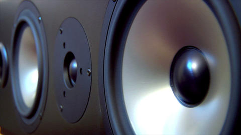 10623 speaker two extreme loop Stock Video Footage