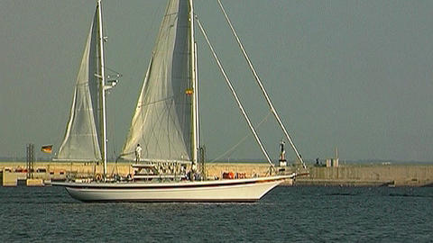 Sailing yacht 90 Stock Video Footage