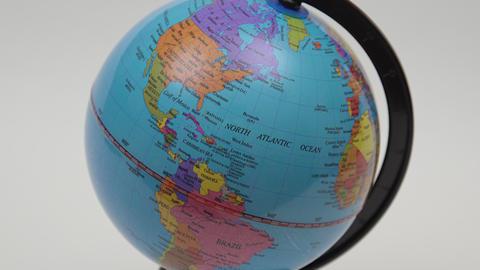 Desktop World Globe. 4K UHD Live Action