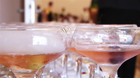 Cups of champagne e Stock Video Footage