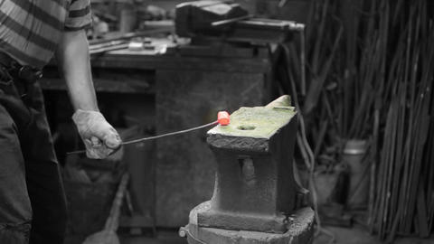 smith forging red iron Stock Video Footage