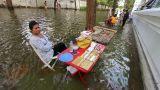 Selling in flood Footage