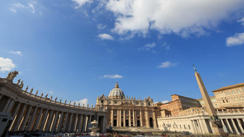 Piazza San Pietro. Zoom. Vatican, Rome, Italy. Time Lapse Footage