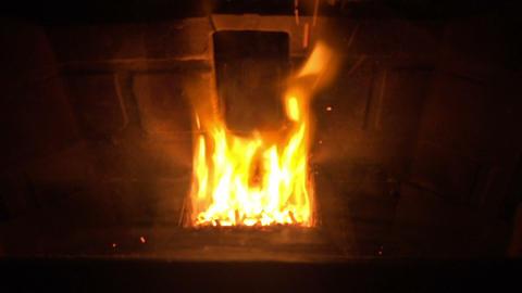 (Seamless Loop) Glowing Fireplace Footage