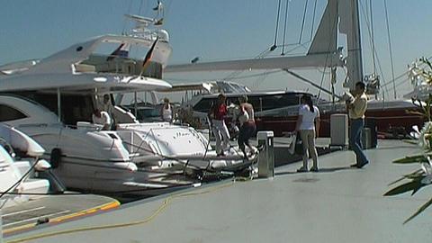 Motor Yachts Bestsellers 2