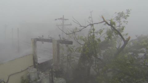 Extreme Hurricane Winds Lash City Typhoon Haiyan Tacloban Footage