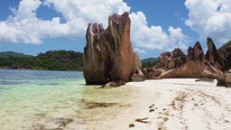 waves and tropical sea on the seychelles islands Footage