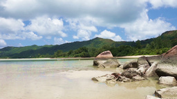 waves and tropical sea on the seychelles islands Live Action