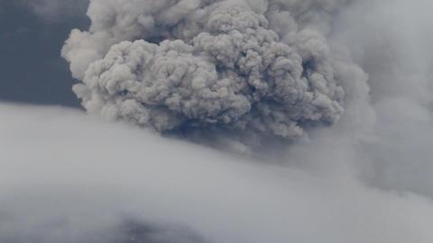 Tungurahua explosion Footage