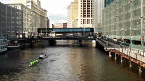 Milwaukee Riverwalk Row Boat Rowing Team ビデオ