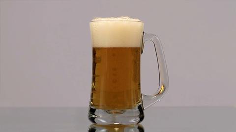 Beer Mug Pour, Full Shot Footage