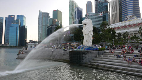 Tourists and fountain at waterfront, Singapore Footage