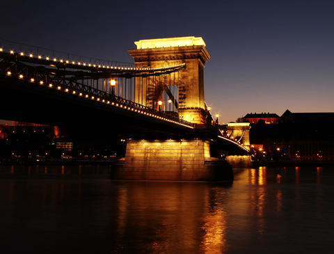 4K Szechenyi Chain Bridge Budapest Hungary Getting Dark... Stock Video Footage