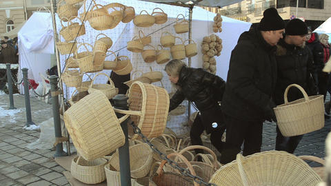 people choose wicker basket outdoor crafts market fair Stock Video Footage