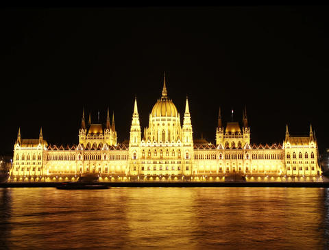 4K Hungarian Parliament Building and Danube at Night Footage