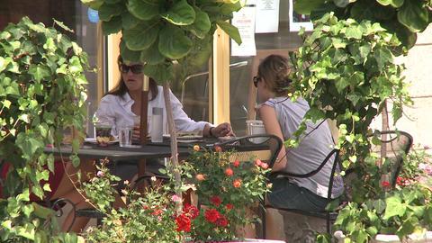 Sidewalk dining (4 of 5) Footage