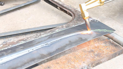 Sheet Metal Cutting With Acetylene Gas Curve Corner Footage