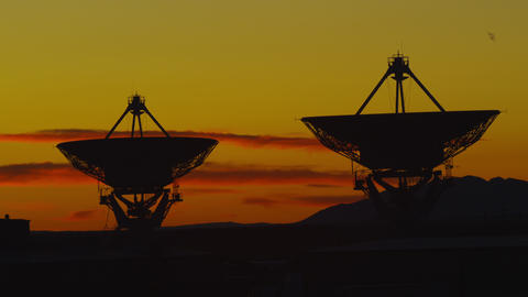 Very Large Array of Radio Telescopes searching for Signals from Space in Time La Footage