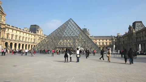 The Peis Pyramide at the Louvre Museeum in Paris Stock Video Footage