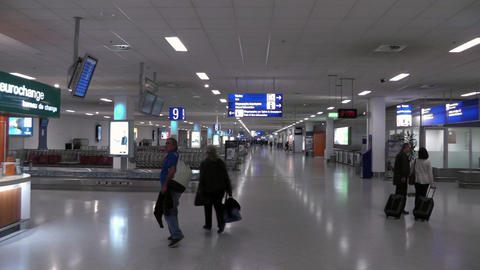 Airport arrival hall Live Action