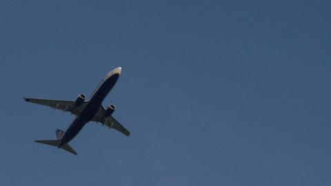 airplane ryanair 02 Stock Video Footage