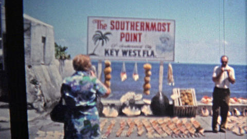 1971: Pirate's Alley Shop and Southern-most point in the USA with conch shell de Footage