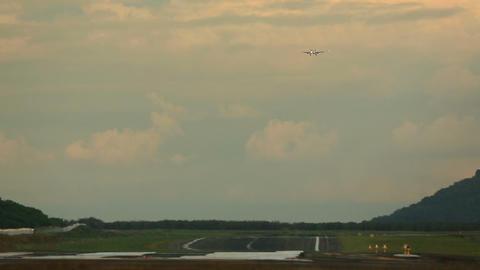 Final approach Footage
