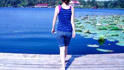 Eu privind spre lac Footage