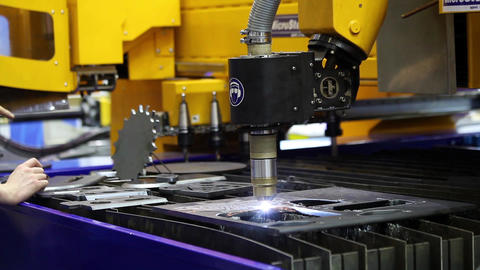 High precision plasma cutting applications including pipe, profile or elbow cutt Live Action