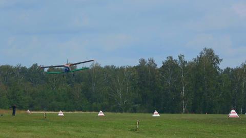 Antonov-2 biplane landing Footage