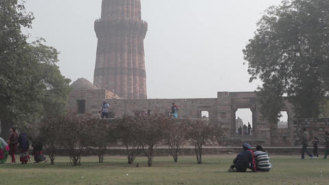 Tower Qutub Minar In New Delhi India 0