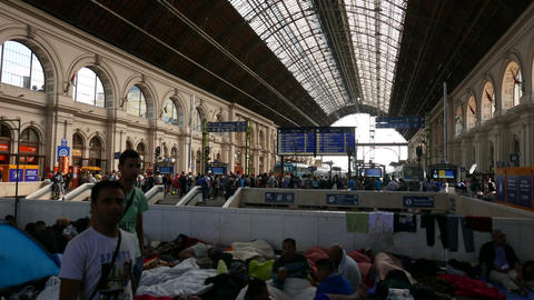 4 K Syrian Migrants at the Eastern Railway Station in Budapest Hungary 27 Footage