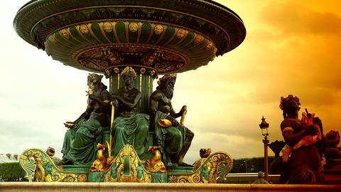 Famous Golden fountain in the Place du Concorde, ultra hd 4k, real time, zooming Live Action